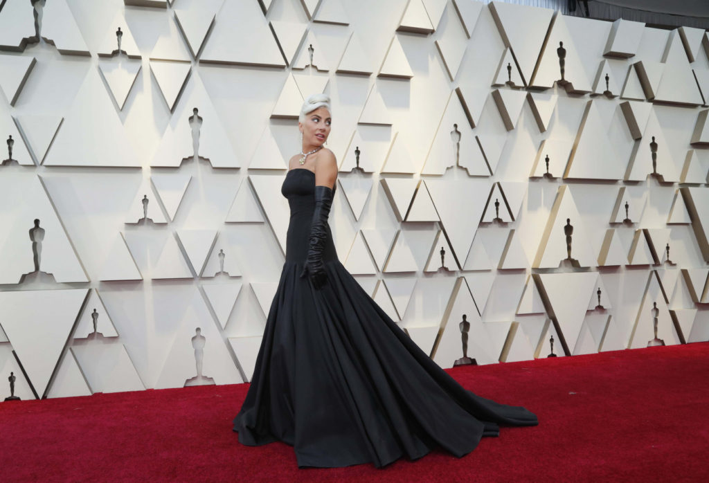 Lady Gaga Hot Dress On Red Carpet 1024x698 - Lady Gaga Net Worth, Pics, Wallpapers, Career and Biography