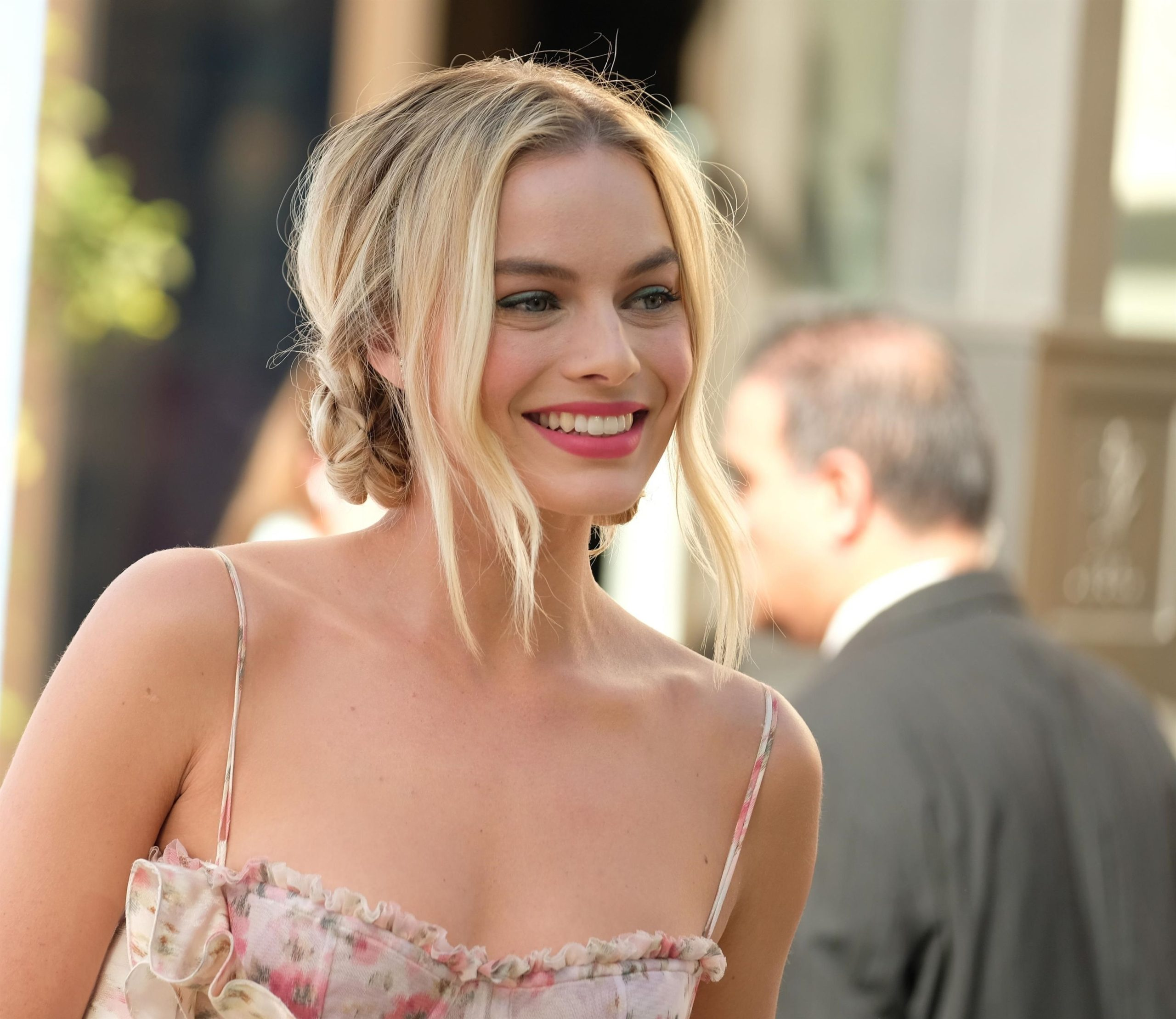 Margot Robbie Hot Smile scaled - Margot Robbie Net Worth, Pics, Wallpapers, Career and Biography