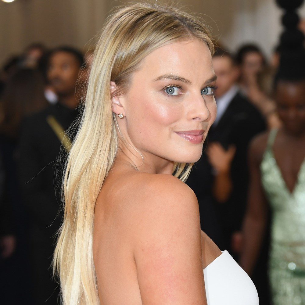 Margot Robbie Wedding Pics - Margot Robbie Net Worth, Pics, Wallpapers, Career and Biography