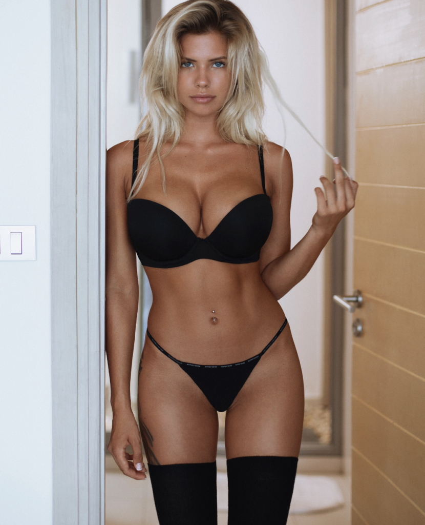 Natalya Krasavina Hot Black Bra Panty Stockings 830x1024 - Natalya Krasavina Hot Black Bra & Panty & Stockings