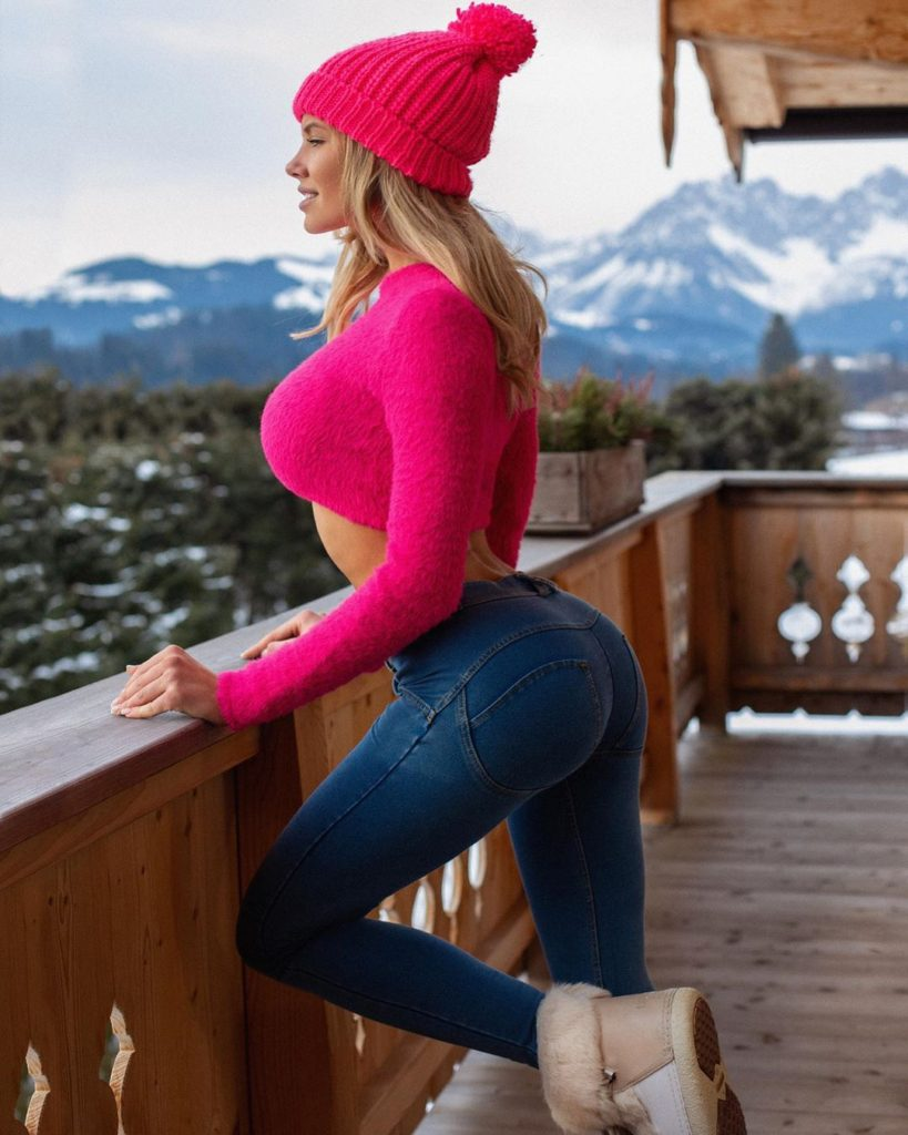 Natalya Krasavina Hot Jeans Balcony Pics 819x1024 - Natalya Krasavina Net Worth, Pics, Wallpapers, Career and Biography
