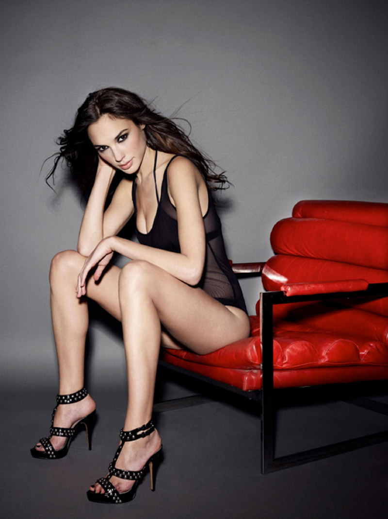 Top Modeling Gal Gadot Hot Legs Pics - Gal Gadot Net Worth, Pics, Wallpapers, Career and Biography