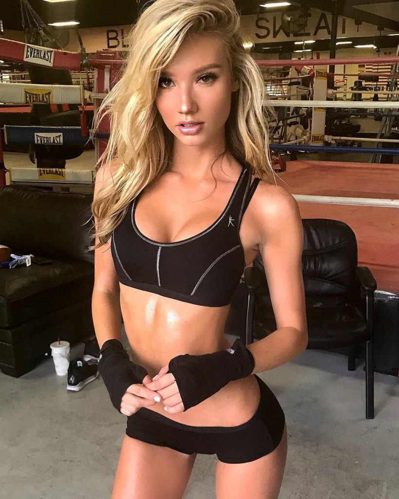 Alexa Collins Hot Workout Gym Pics 819x1024 - Alexa Collins Net Worth, Pics, Wallpapers, Career and Biography