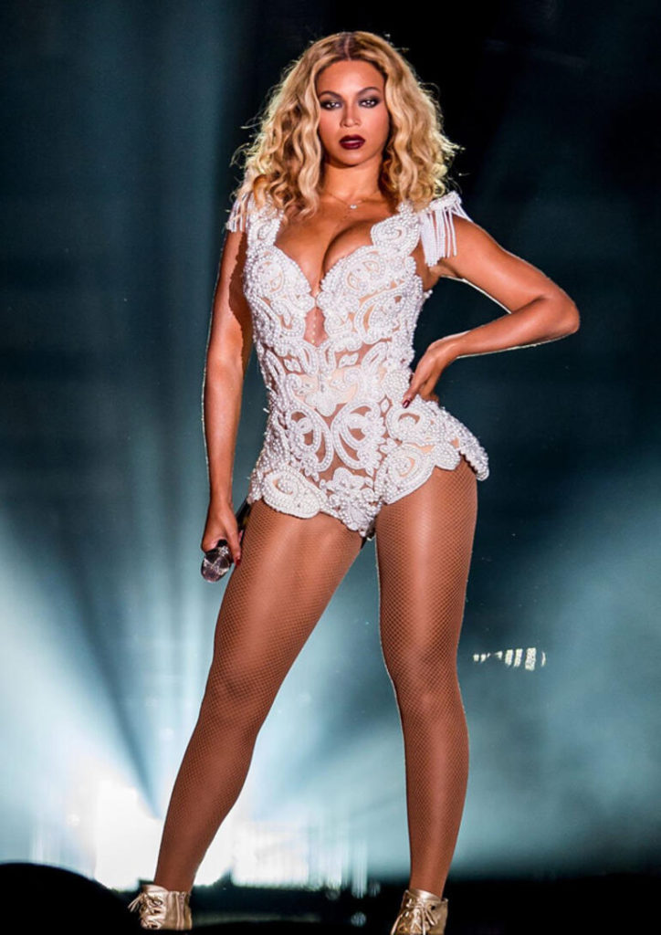 Beyonce Amazing Hot Legs Pics 724x1024 - Beyonce Net Worth, Pics, Wallpapers, Career and Biography