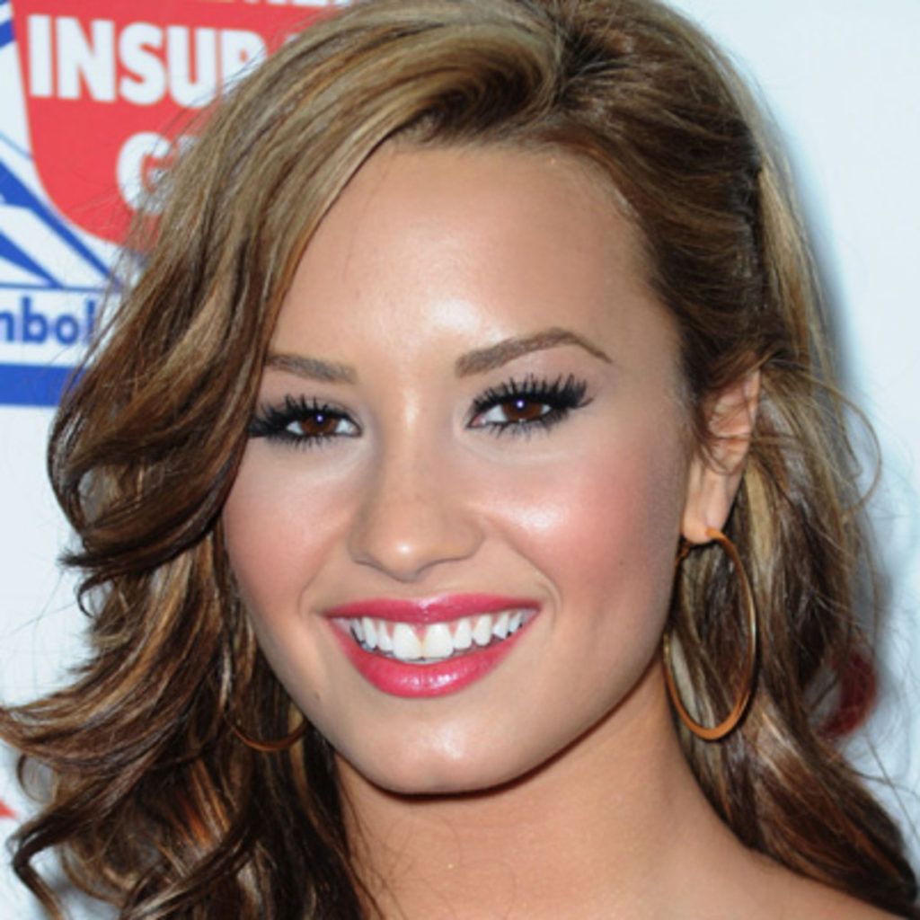 Demi Lovato Hot Smile 1024x1024 - Demi Lovato Net Worth, Pics, Wallpapers, Career and Biography