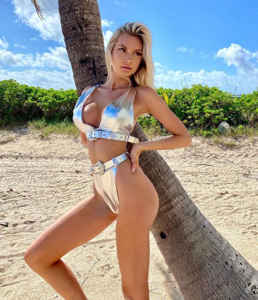 Hot Bikini Modeling Alexa Collins 881x1024 - Alexa Collins Net Worth, Pics, Wallpapers, Career and Biography