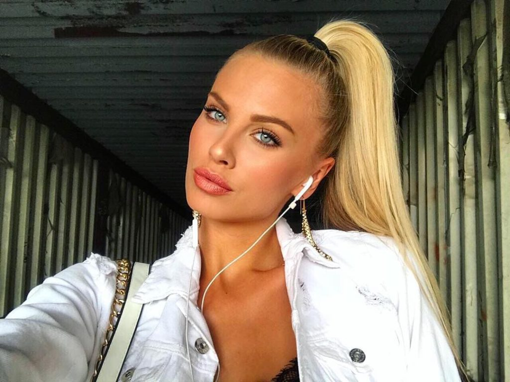 Hot Blonde Anet Mlcakova Wallpapers 1024x768 - Anet Mlcakova Net Worth, Pics, Wallpapers, Career and Biography