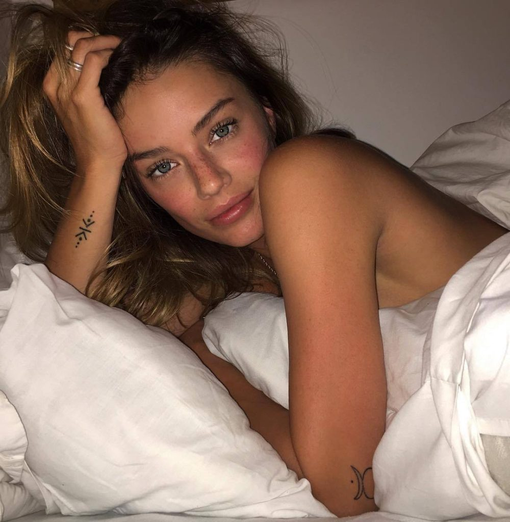 Jessica Lee Buchanan Hot Bed Pics 1000x1024 - Jessica Lee Buchanan Net Worth, Pics, Wallpapers, Career and Biography