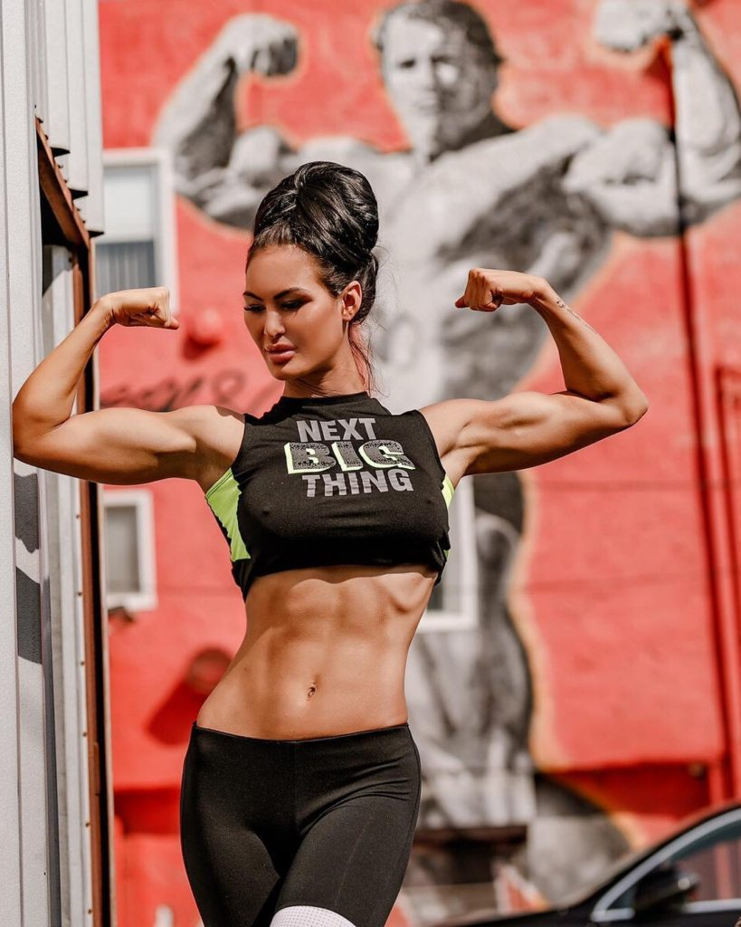 Katelyn Runck Fit Body Pics 819x1024 - Katelyn Runck Net Worth, Pics, Wallpapers, Career and Biography