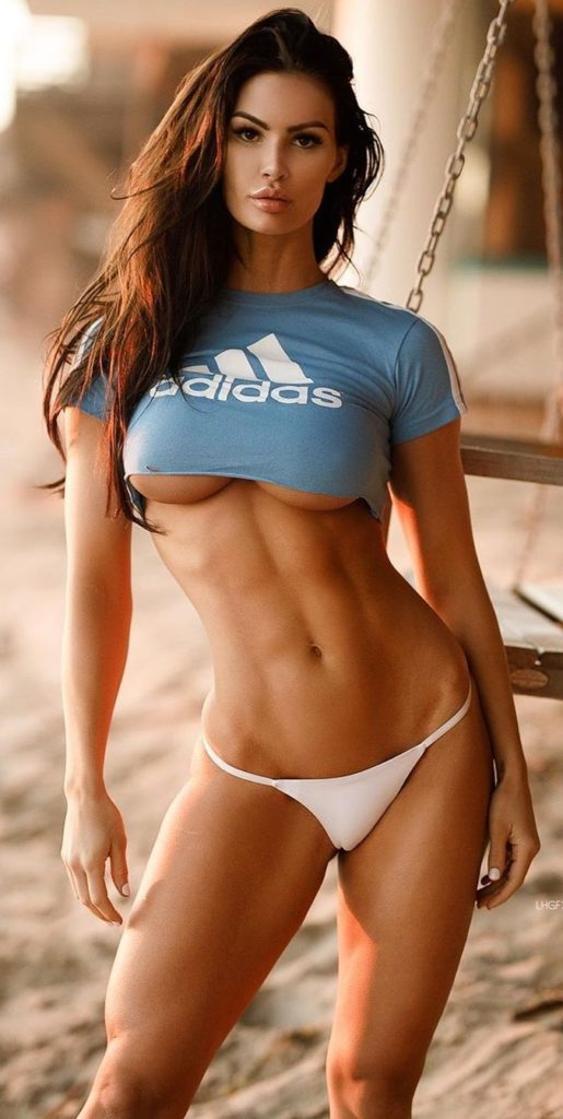 Katelyn Runck Hot T shirt Pics 515x1024 - Katelyn Runck Net Worth, Pics, Wallpapers, Career and Biography