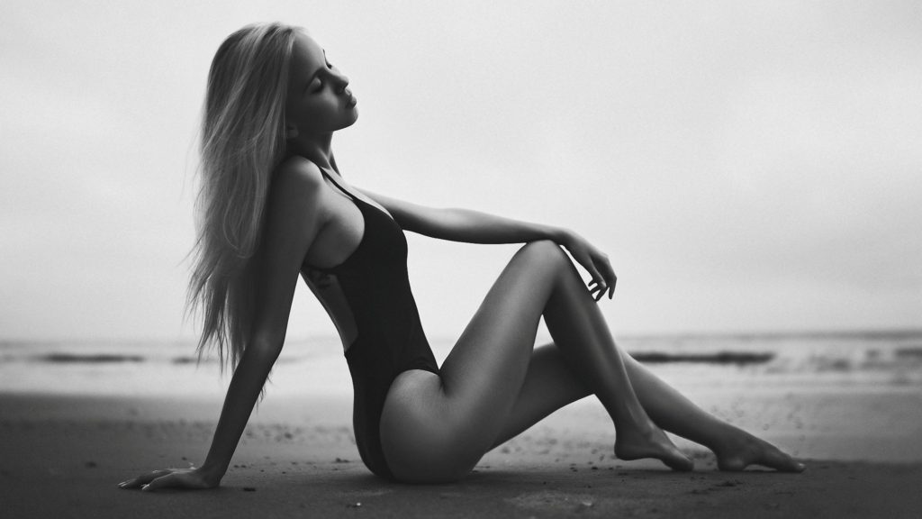 Maria Domark Hot Swimsuit Modeling Wallpapers 1024x576 - Maria Domark Net Worth, Pics, Wallpapers, Career and Biograph