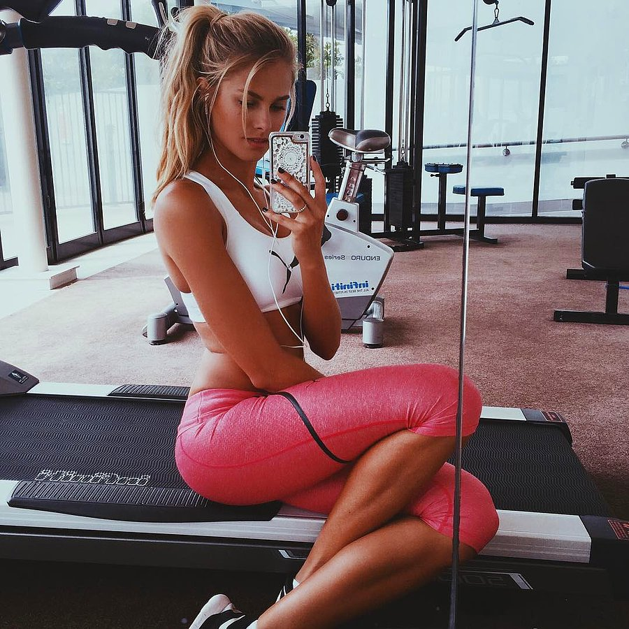 Natalie Jayne Roser Hot Gym Selfie - Natalie Jayne Roser Net Worth, Pics, Wallpapers, Career and Biograph