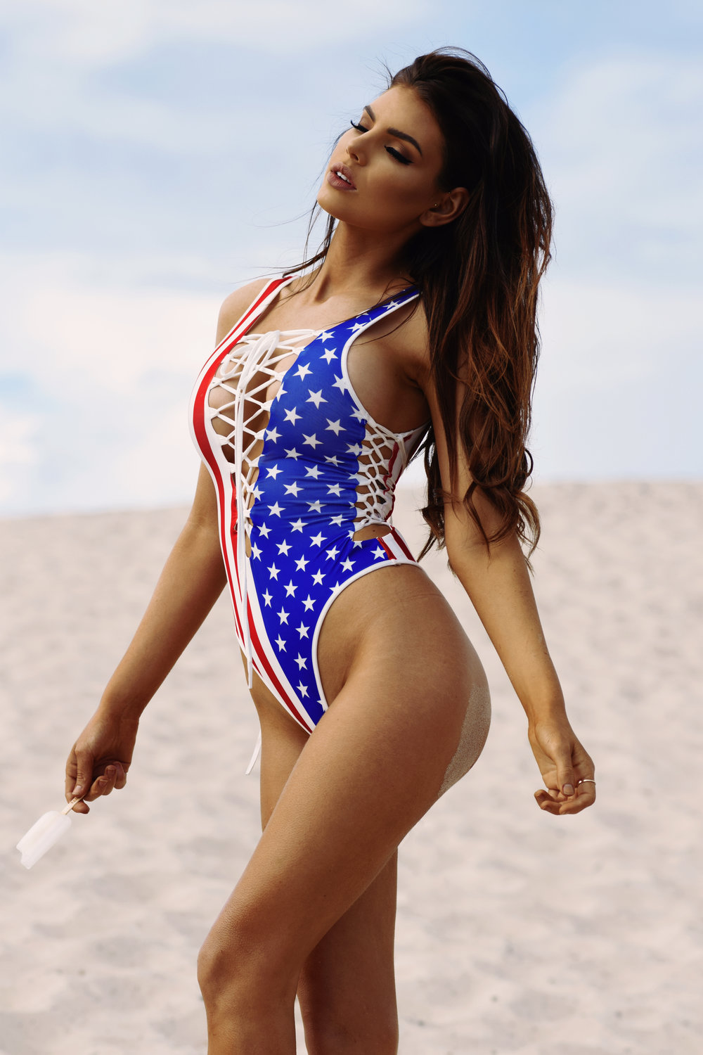 Nicole Thorne Hot USA Flag Swimsuit Pics - Nicole Thorne Hot USA Flag Swimsuit Pics