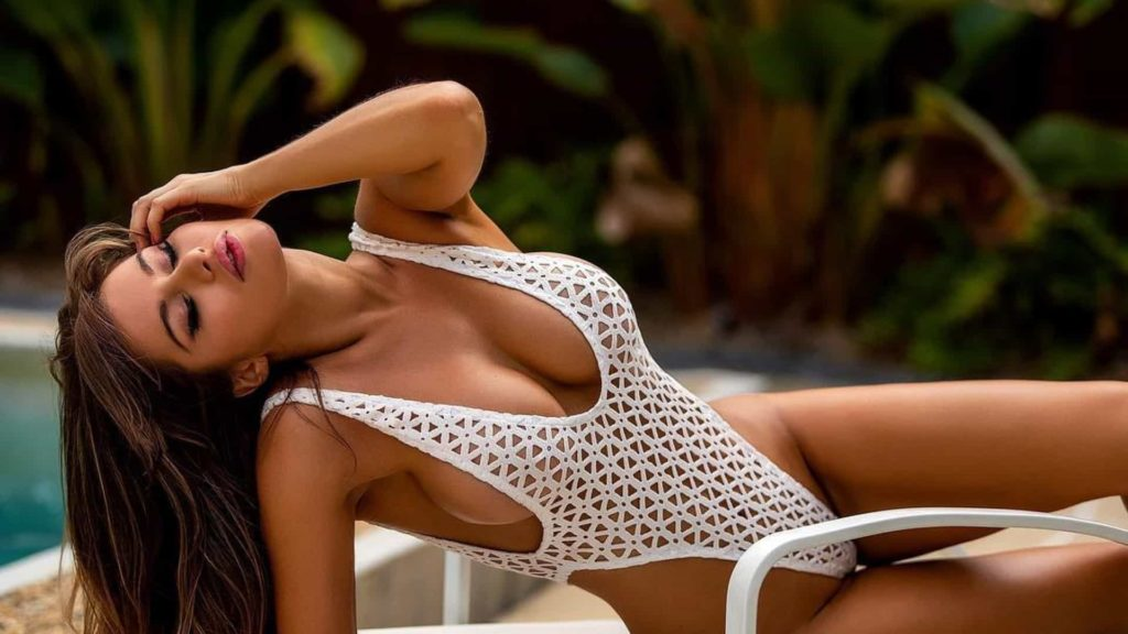 Top Bikini Model Bianca Richards Hot Hd Wallpapers 1024x576 - Bianca Richards Net Worth, Pics, Wallpapers, Career and Biography