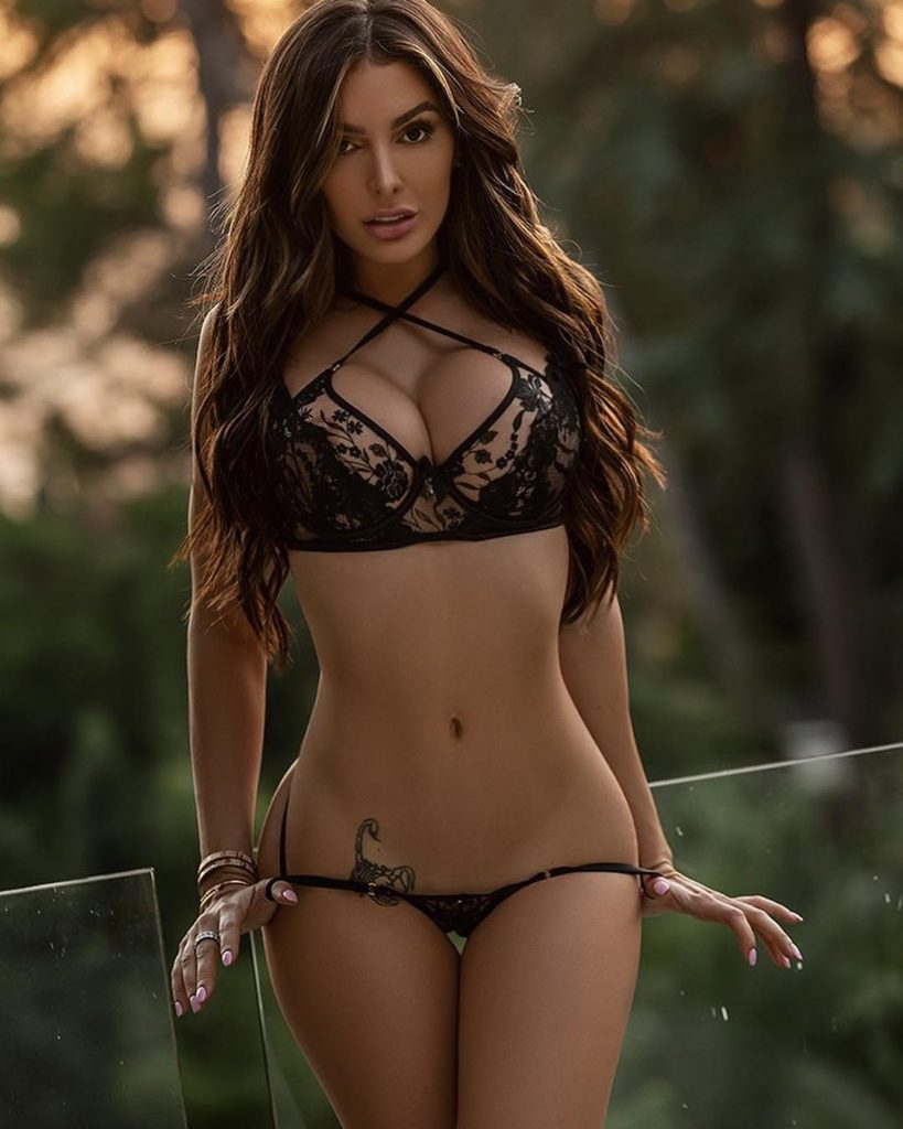 Lyna Perez Hot Black Lingerie Modeling 819x1024 - Lyna Perez Net Worth, Pics, Wallpapers, Career and Biography