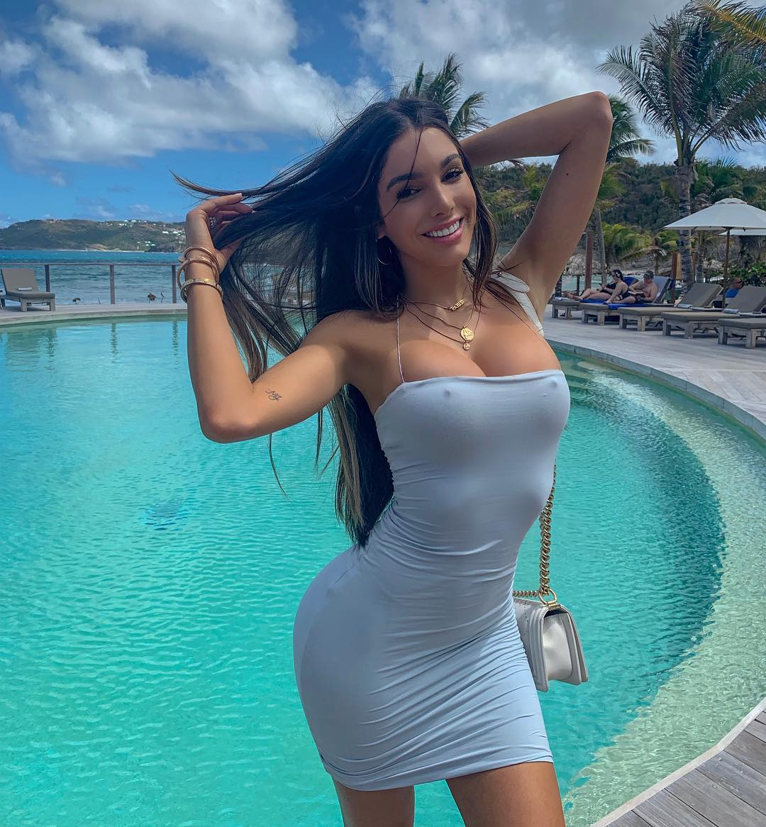 Lyna Perez Hot Dress Pose By The Pool - Lyna Perez Hot Dress Pose By The Pool