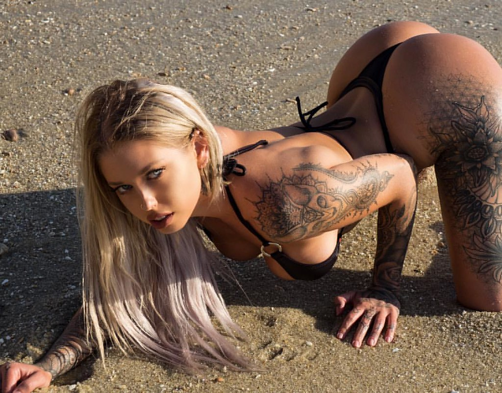 Modeling Vicky Aisha Hot Wallpapers - Modeling Vicky Aisha Hot Wallpapers