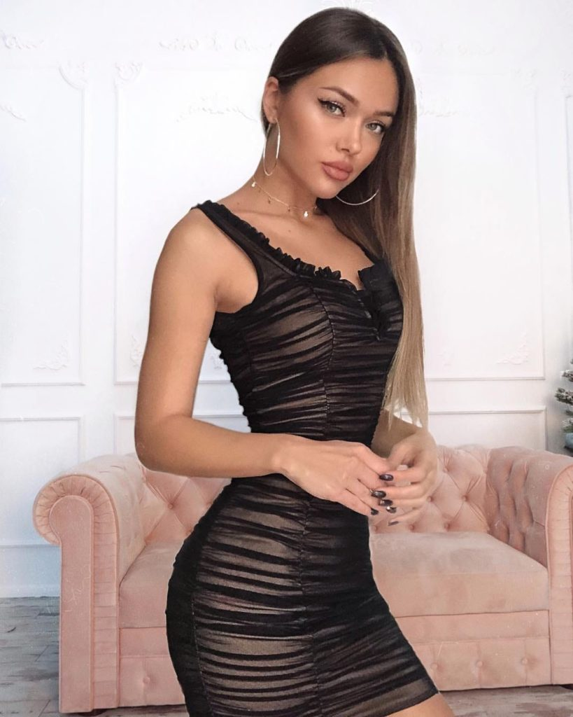 Natalie Danish Hot Dress Pics 819x1024 - Natalie Danish Net Worth, Pics, Wallpapers, Career and Biography