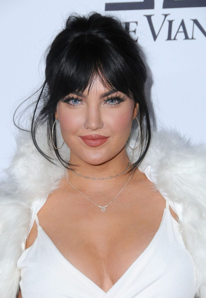 Natalie Halcro Goddess Beauty Pics 707x1024 - Natalie Halcro Net Worth, Pics, Wallpapers, Career and Biography