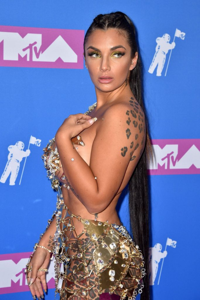Natalie Halcro Hot MTV Awards Dress 683x1024 - Natalie Halcro Net Worth, Pics, Wallpapers, Career and Biography