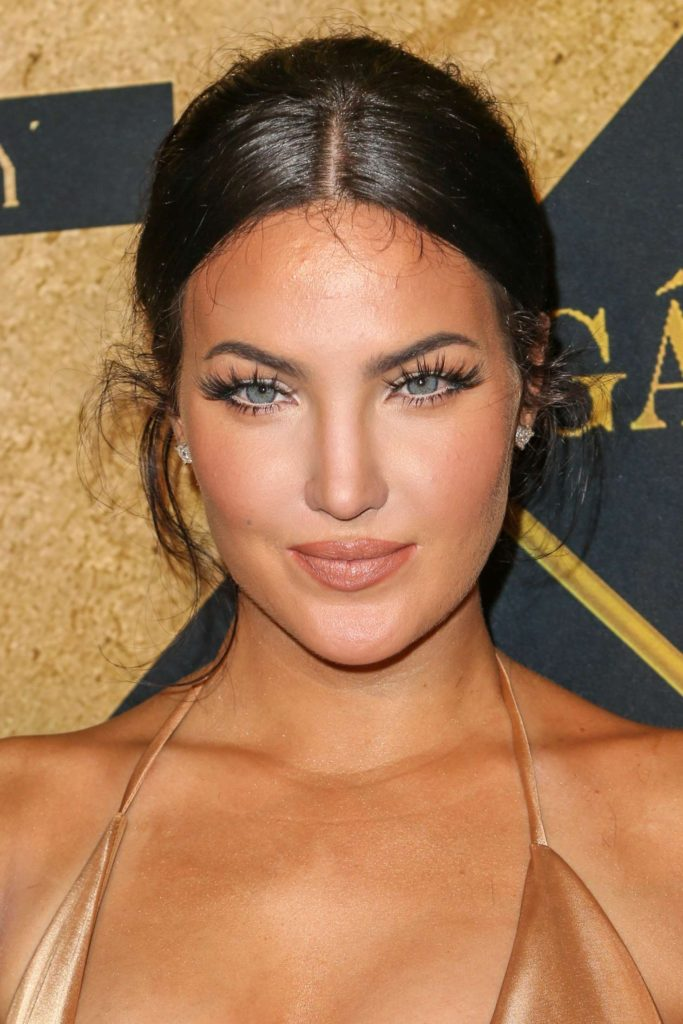 Natalie Halcro Pretty Face Pics 683x1024 - Natalie Halcro Net Worth, Pics, Wallpapers, Career and Biography