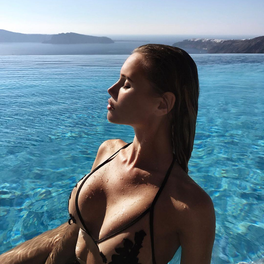 Olya Abramovich Hot Bikini Pose 1024x1024 - Olya Abramovich Net Worth, Pics, Wallpapers, Career and Biograph
