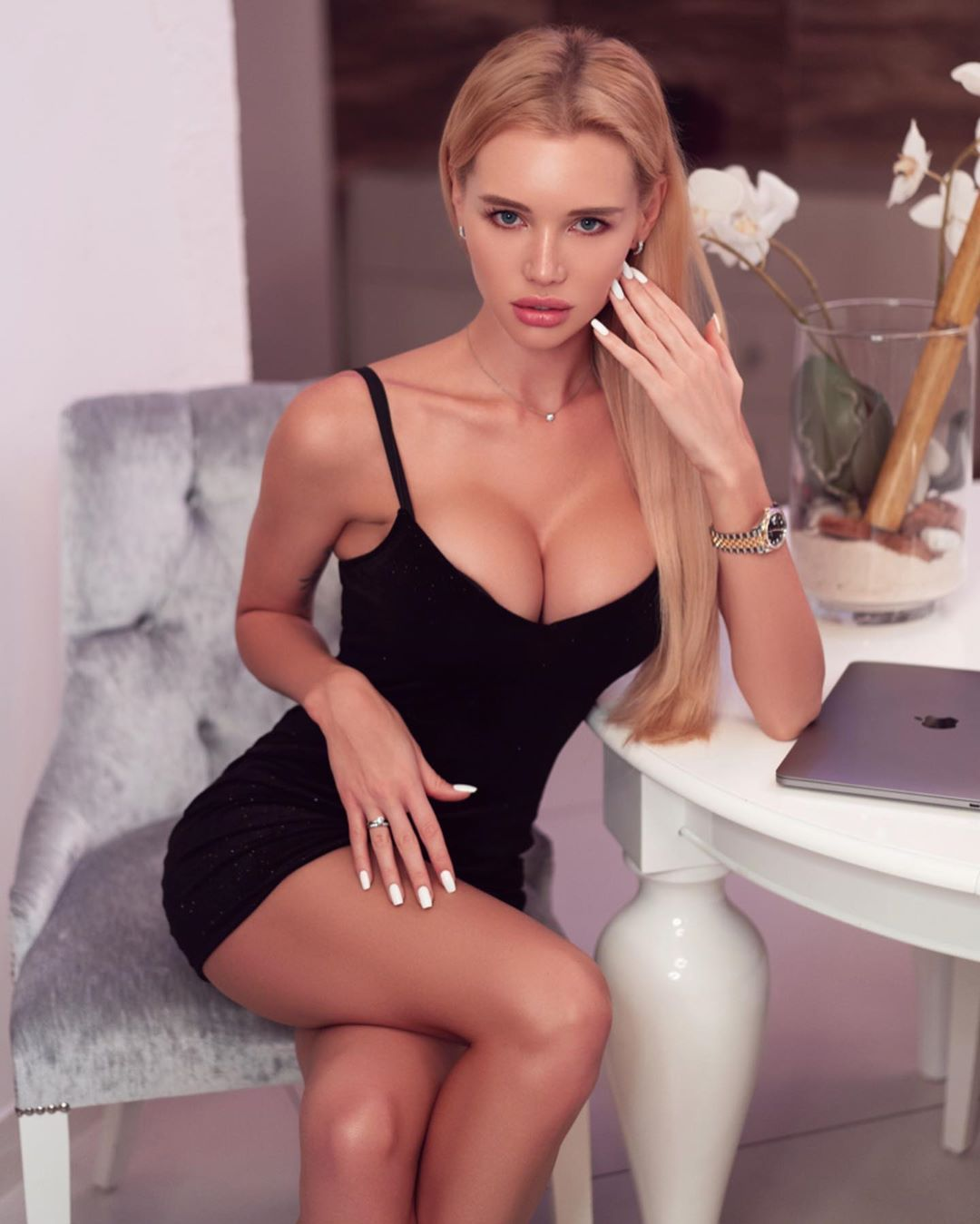 Olya Abramovich Hot Revealing Black Dress - Olya Abramovich Hot Revealing Black Dress