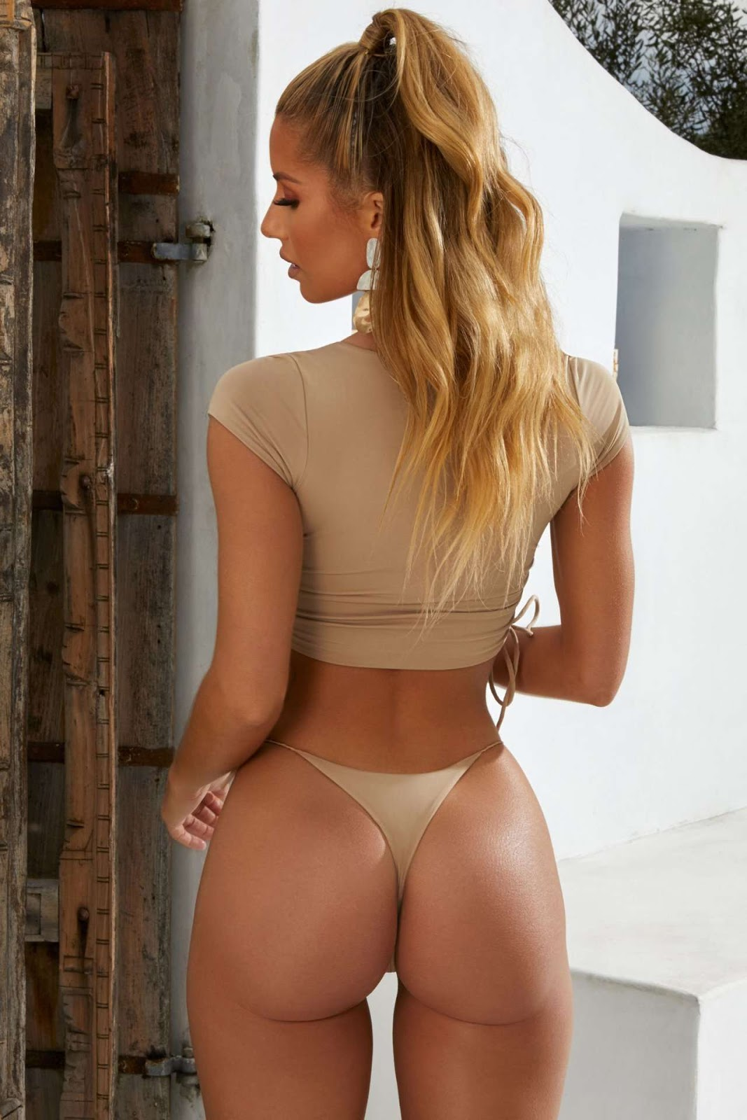 Sierra Skye Super Hot Tanga Pose - Sierra Skye Super Hot Tanga Pose