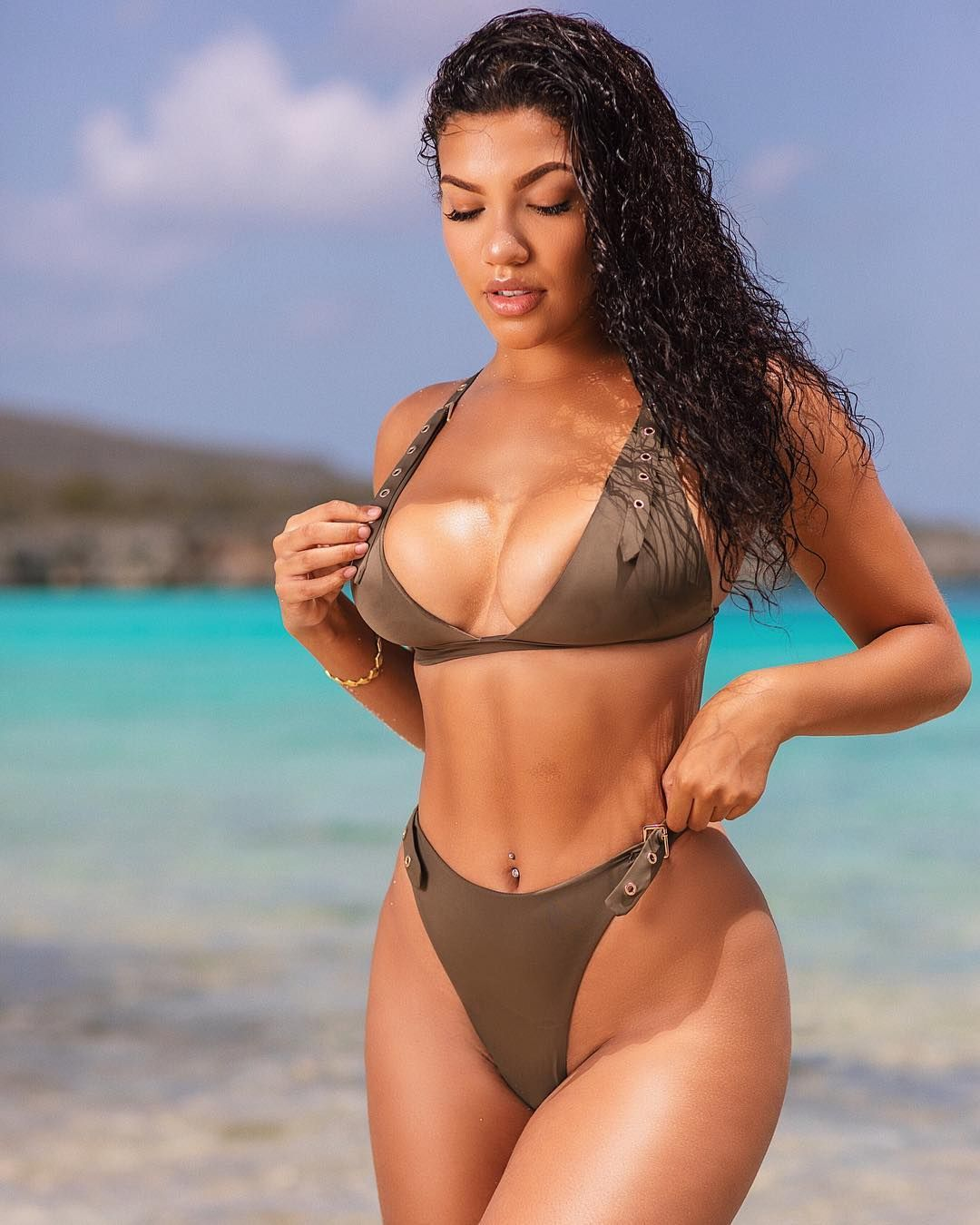 Tiona Fernan Super Hot Bikini - Tiona Fernan Super Hot Bikini