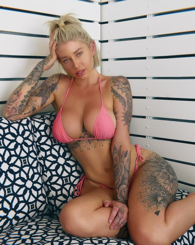Vicky Aisha Hot Pink Bikini Couch Pose - Vicky Aisha Net Worth, Pics, Wallpapers, Career and Biograph