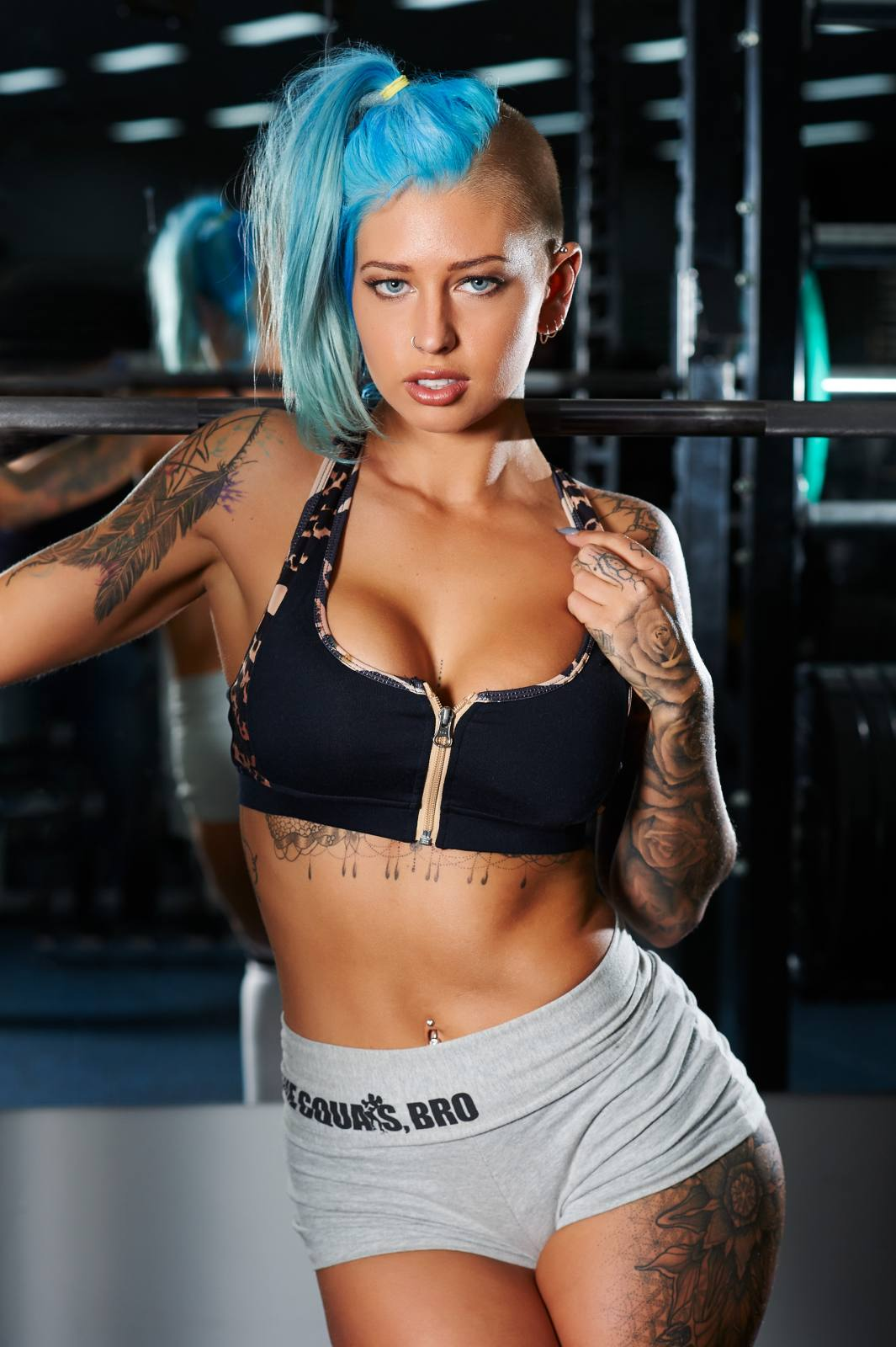 Vicky Aisha Hot Sports Bra Blue Hair Pics - Vicky Aisha Hot Sports Bra Blue Hair Pics