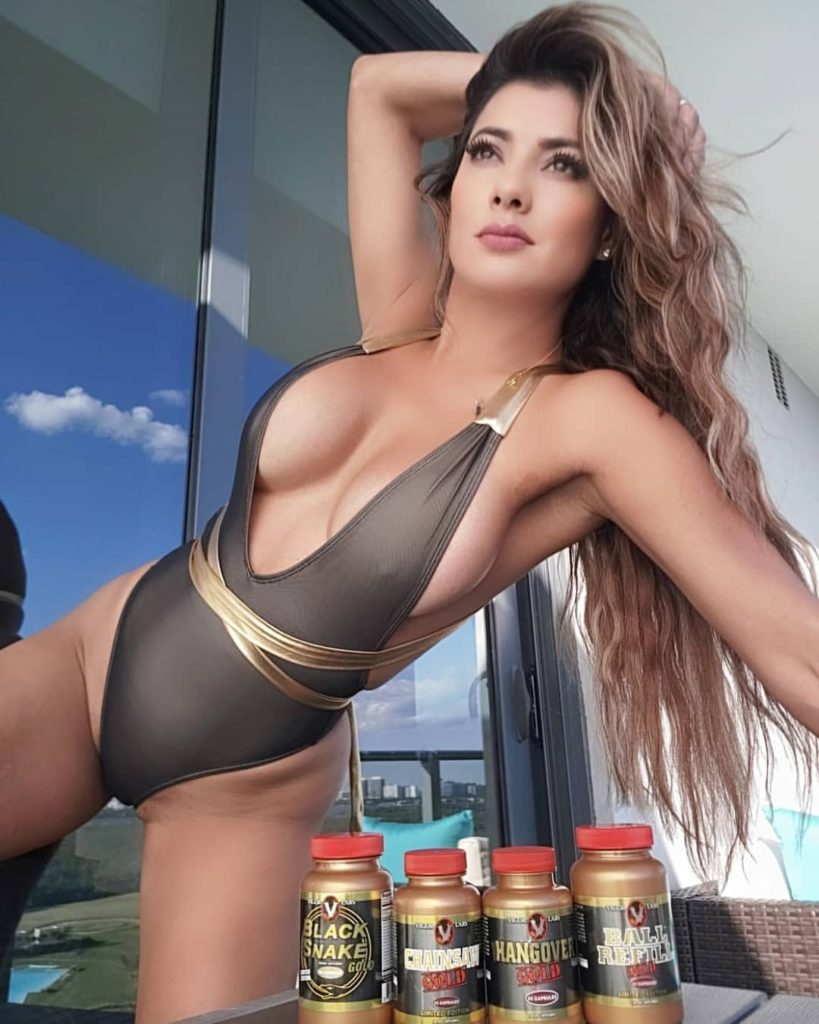 Vivi Castrillon Deep Revealing Hot Swimsuit Pics 819x1024 - Vivi Castrillon Net Worth, Pics, Wallpapers, Career and Biography