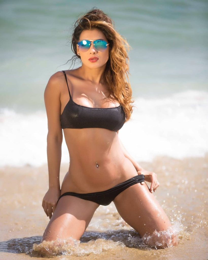 Vivi Castrillon Hot Bikini Galleries 820x1024 - Vivi Castrillon Net Worth, Pics, Wallpapers, Career and Biography