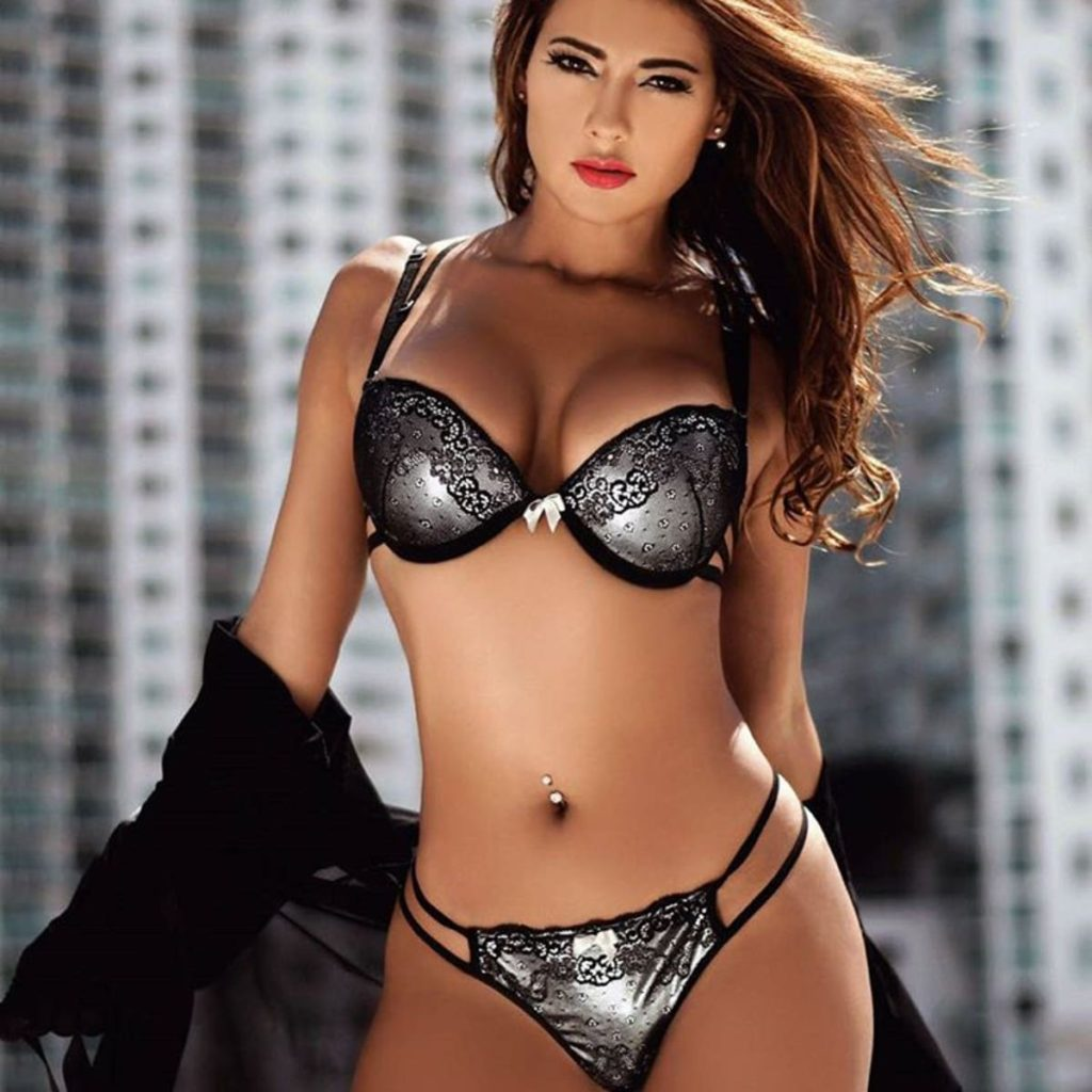 Vivi Castrillon Hot Lingerie Outdoors 1024x1024 - Vivi Castrillon Net Worth, Pics, Wallpapers, Career and Biography