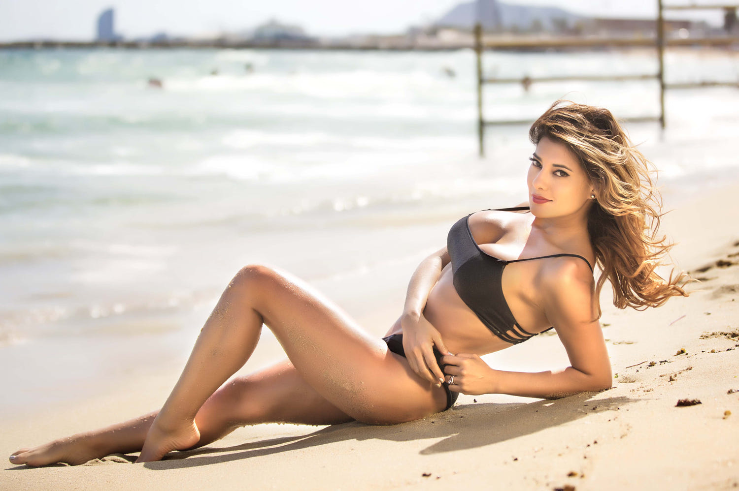 Vivi Castrillon Hot Pose At The Beach - Vivi Castrillon Hot Pose At The Beach