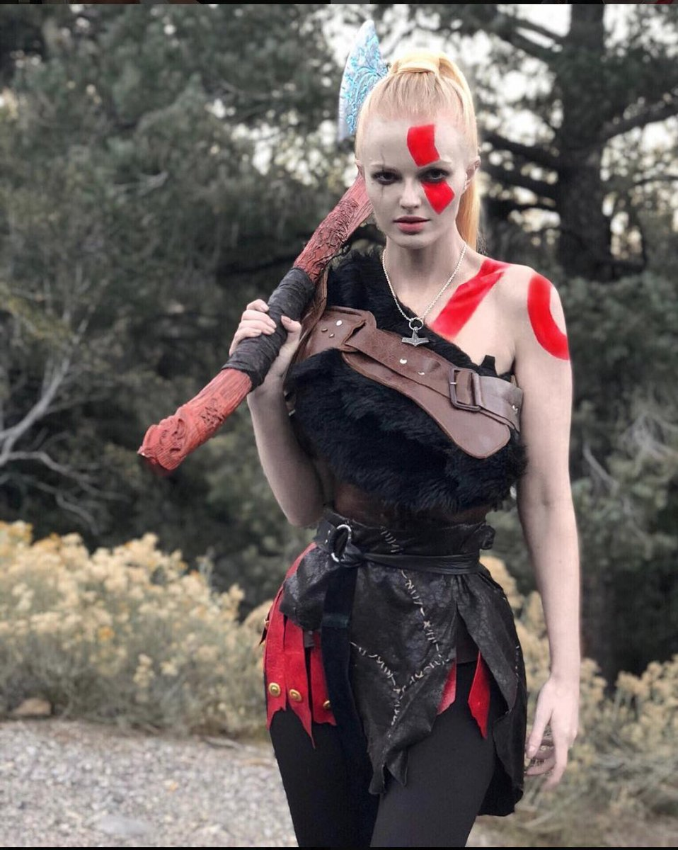 Zienna Sonne Williams God Of War Costume Modeling Pics - Zienna Sonne Williams God Of War Costume Modeling Pics