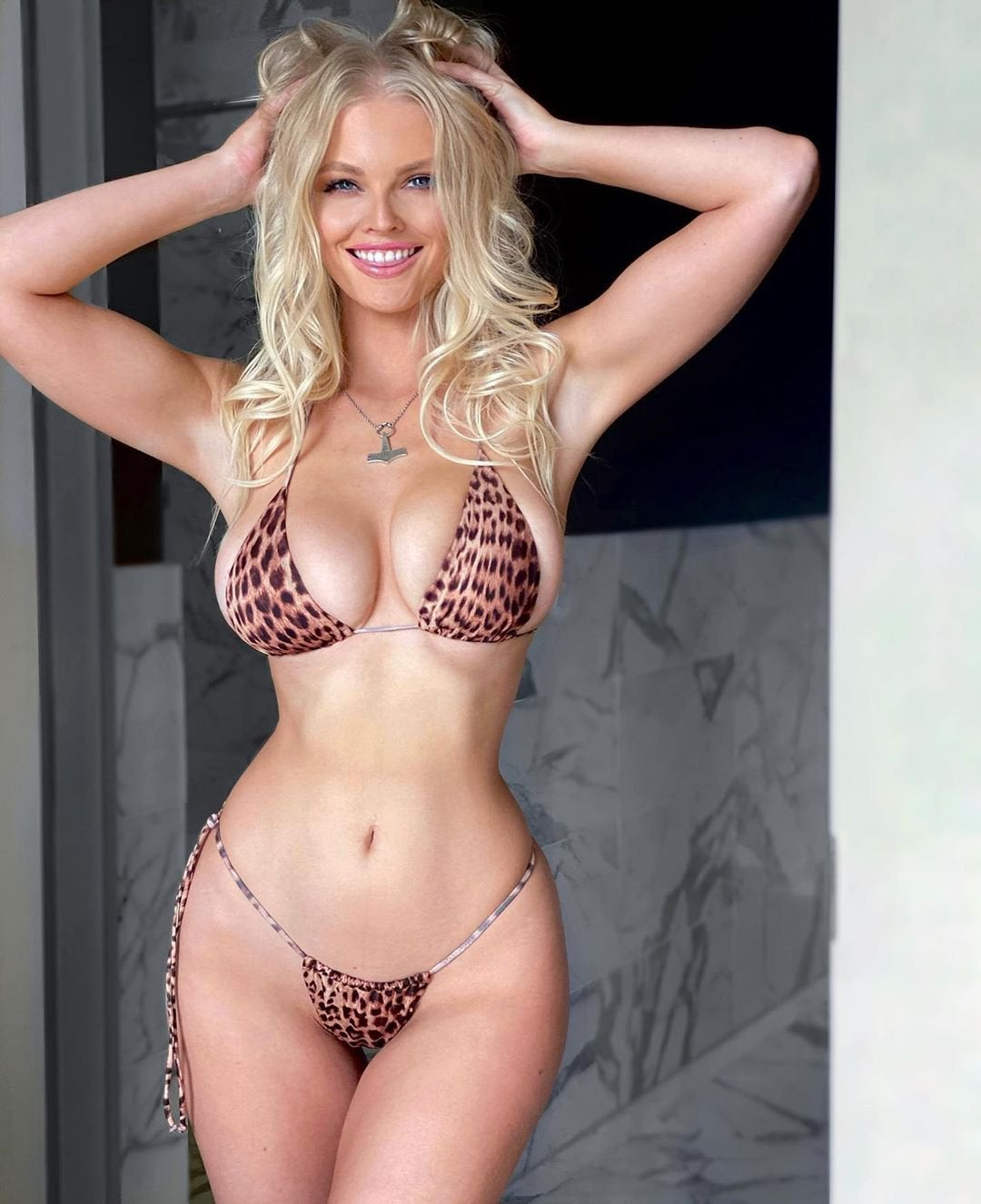 Zienna Sonne Williams Hot Tigerskin Bikini Pics - Zienna Sonne Williams Hot Tigerskin Bikini Pics