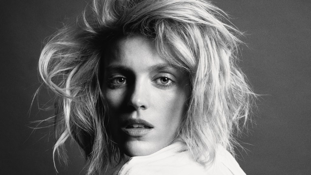 Anja Rubik BW Wallpapers 1024x575 - Anja Rubik Net Worth, Pics, Wallpapers, Career and Biograph
