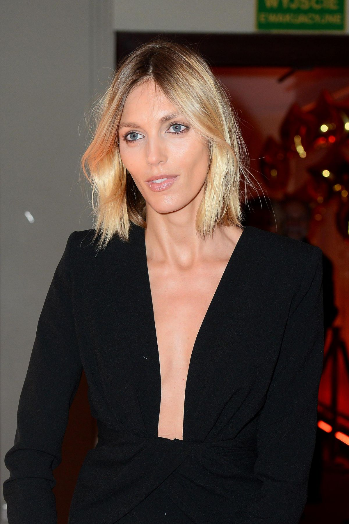 Anja Rubik Deep Decollete Dress - Anja Rubik Deep Decollete Dress
