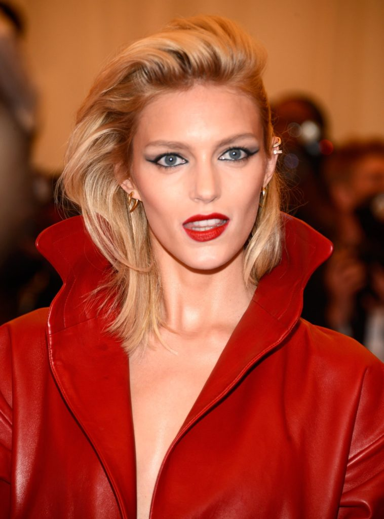 Anja Rubik Hot Red Lips 758x1024 - Anja Rubik Net Worth, Pics, Wallpapers, Career and Biograph