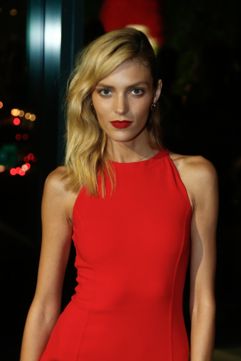 Anja Rubik Hot Red Lips Dress - Anja Rubik Hot Red Lips & Dress