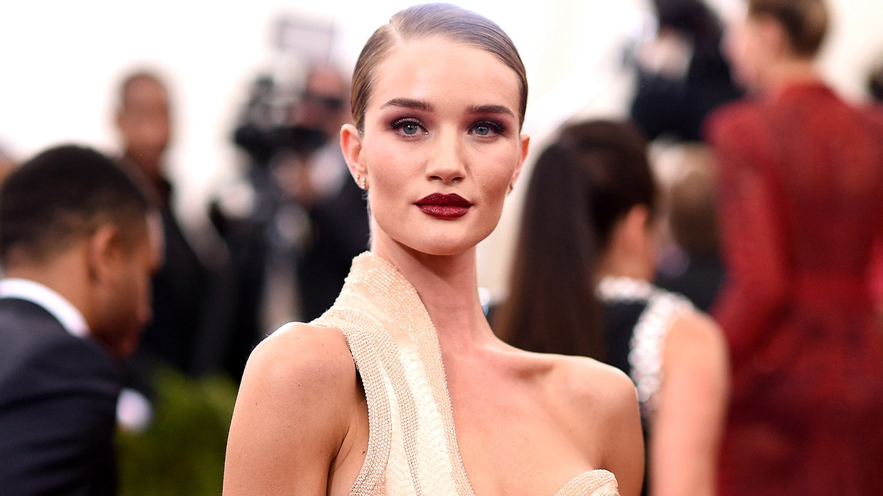 Rosie Huntington Whiteley Gala Pics - Rosie Huntington-Whiteley Net Worth, Pics, Wallpapers, Career and Biograph