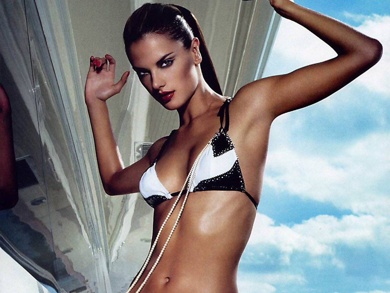 Alessandra Ambrosio Hot Bikini Modeling - Alessandra Ambrosio Net Worth, Pics, Wallpapers, Career and Biography