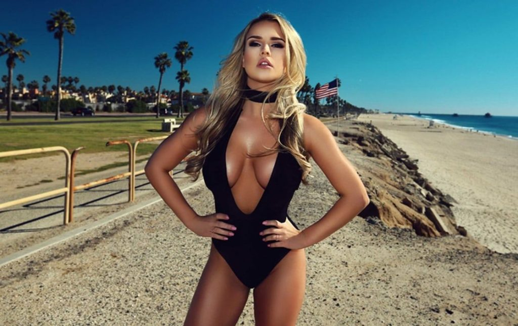 Amazing Swimsuit Kinsey Wolanski Pics 1024x646 - Kinsey Wolanski Net Worth, Pics, Wallpapers, Career and Biography