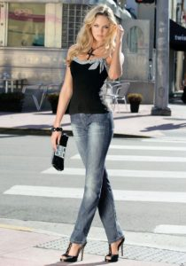 Candice Swanepoel Jeans Pic