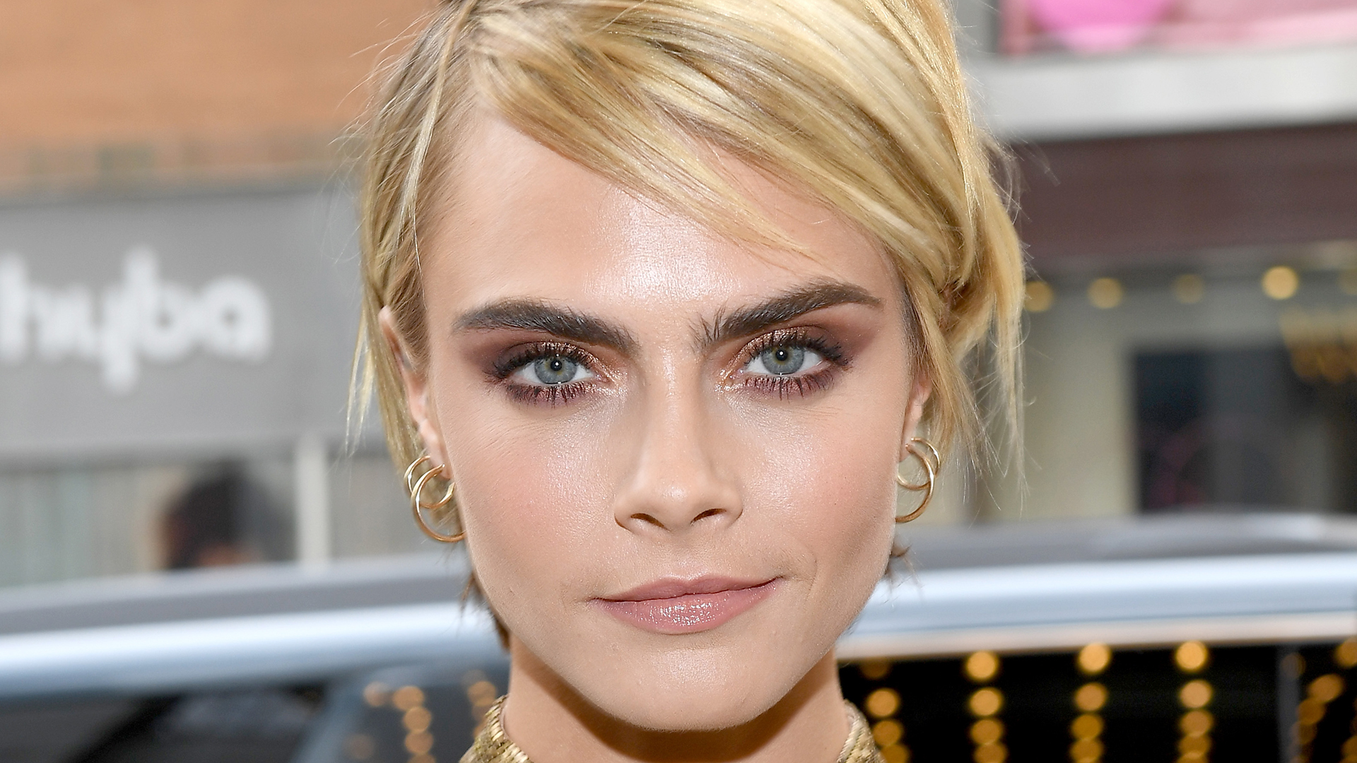 Cara Delevingne Wonderful Eyes Pics - Cara Delevingne Net Worth, Pics, Wallpapers, Career and Biography