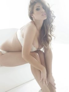 Hot Lucy Pinder Pics