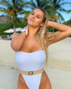Kinsey Wolanski Hot Swimsuit Pictures