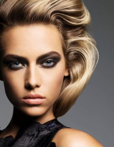 Hannah Ferguson Hot Smoky Eyes 233x300 - Anja Rubik Net Worth, Pics, Wallpapers, Career and Biograph