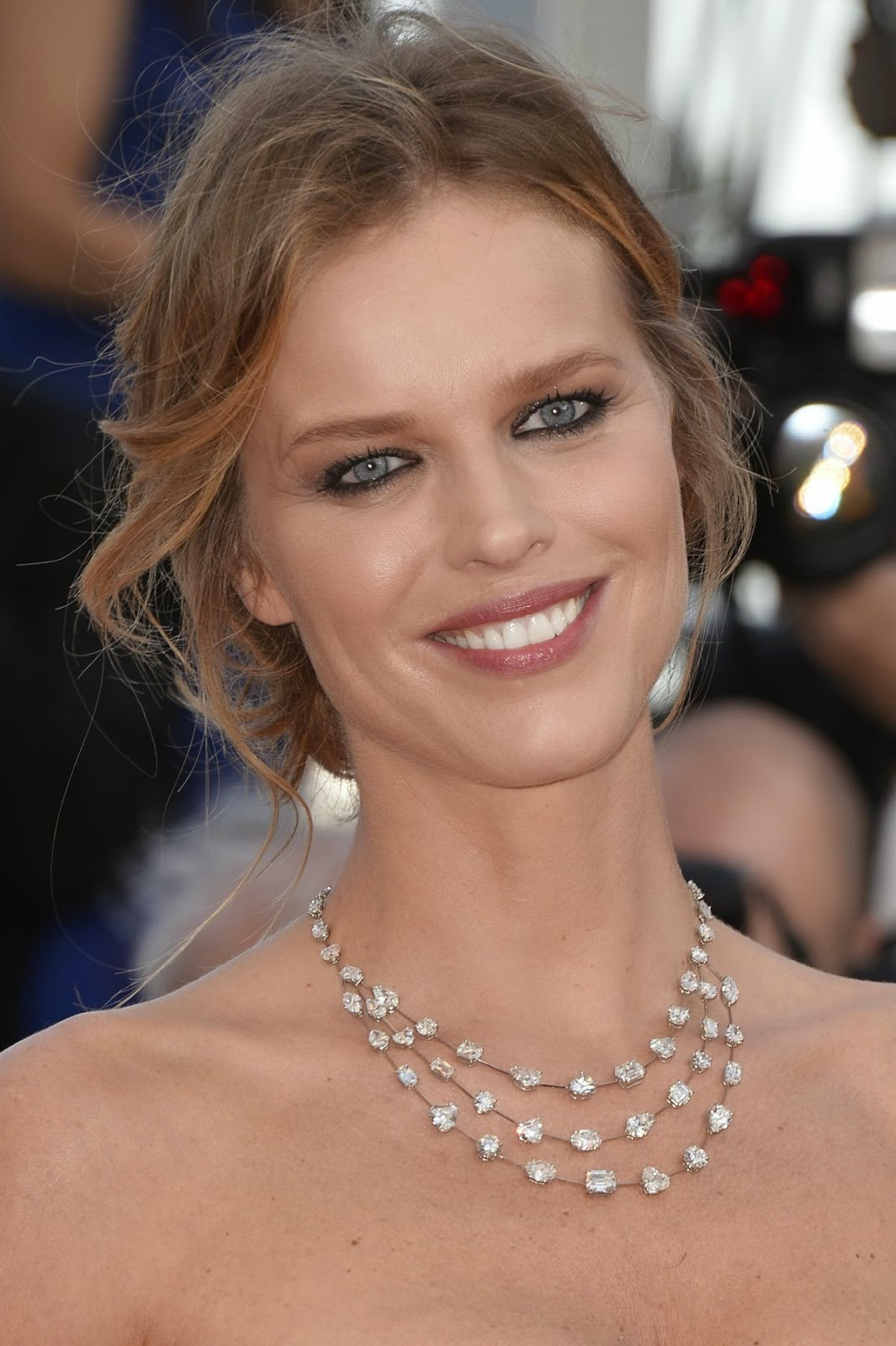 Eva Herzigova Beauty Pics - Eva Herzigova Net Worth, Pics, Wallpapers, Career and Biography